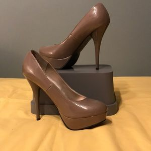 Size 10 mossimo taupe heels